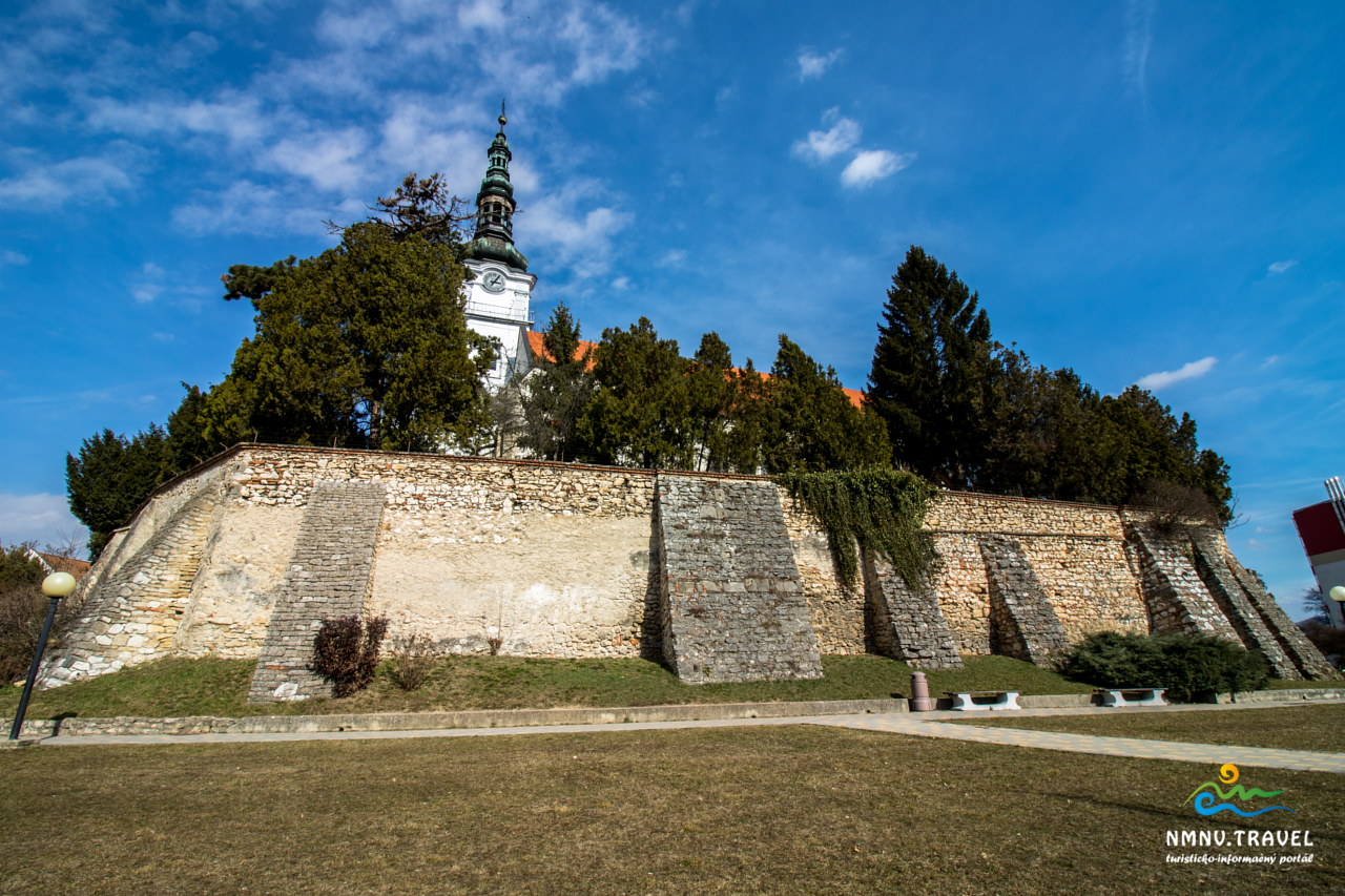Kostol Nové Mesto nad Váhom