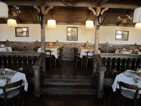 Saloon Restaurant